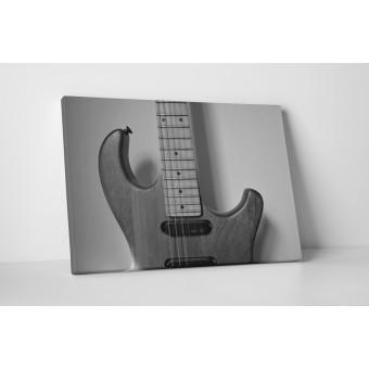 Chitara electrica in alb-negru