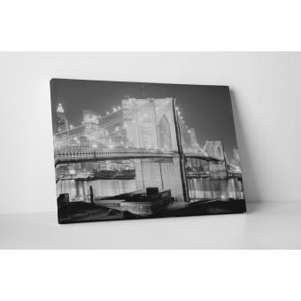 Pod in alb-negru